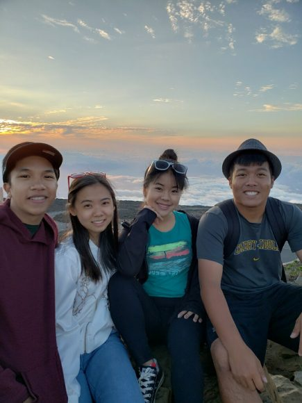 (L-R) Juniors Niko Lopez, Kasandra Miao, Kristin Lau, and Connor Lopes at the summit of Haleakalā. Courtesy of Kasandra Miao ('19)